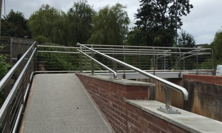 New footbridge over the brook now open!