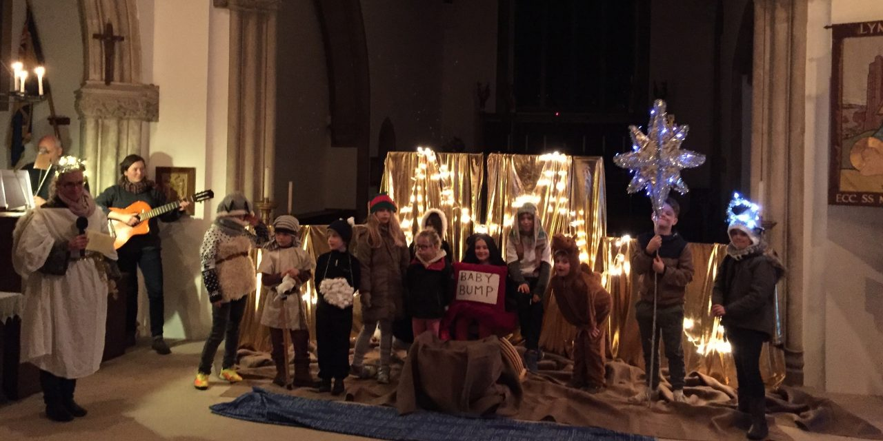 Lympstone Players lead the Scratch Nativity