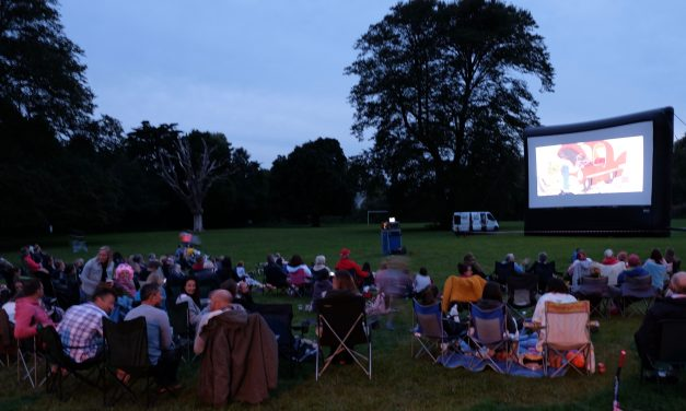 Hundreds enjoy Open Air Cinema, in support of Lympstone Pre-School